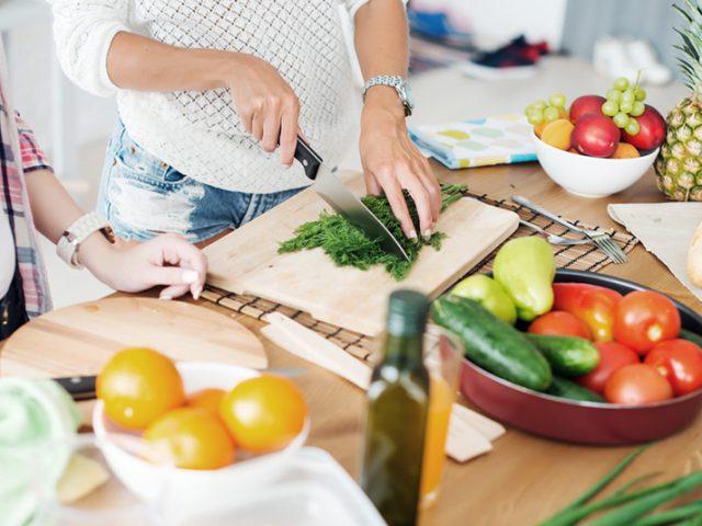 สิ่งที่คุณควรจะศึกษาเกี่ยวกับการคั้นผักของคุณ